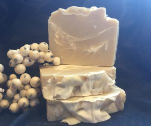handcrafted dog shampoo for repairing dry, itchy, damaged skin by www.lionsmarketbyann.com