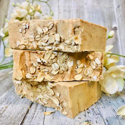 oatmeal-and-honey-goats-milk-dog-shampoo